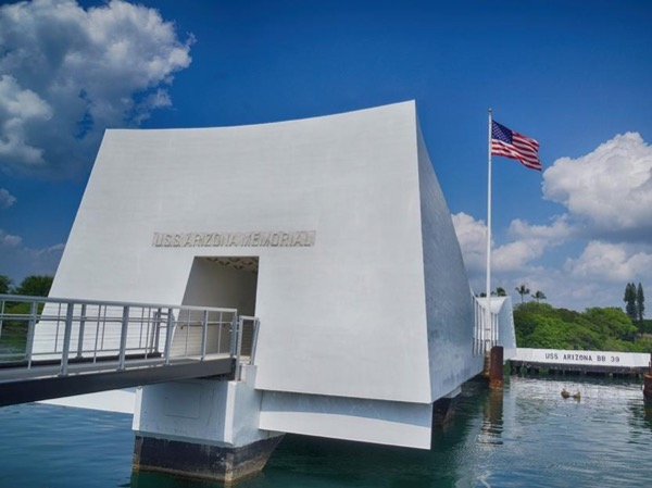 Historic Pearl Harbor, Downtown Honolulu, Ko'olau Mountains & Ancient Hawaii Scenic Tour