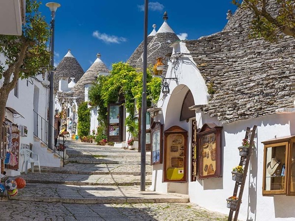 Alberobello Private day tour with official guide from Brindisi