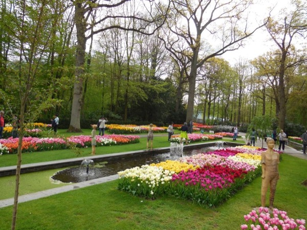 Tulip time in Holland including skip-the-line tickets to the Keukenhof park by private minivan!