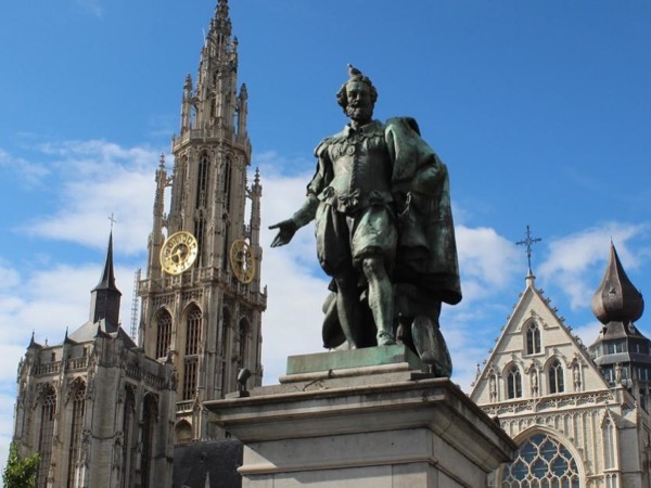 Private tour to Belgian favourites Antwerp and Bruges
