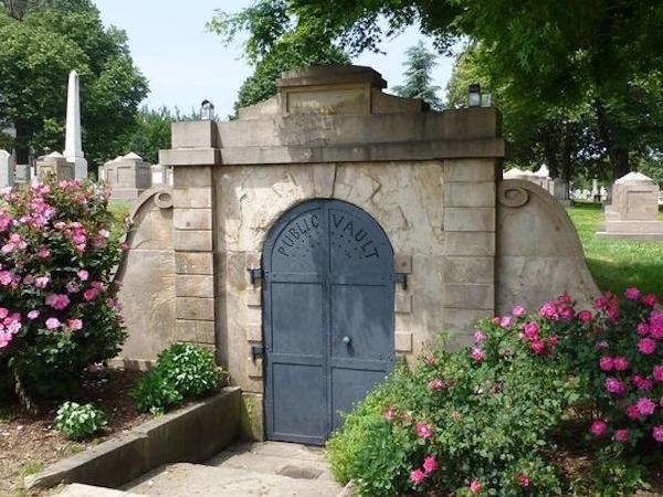 Historic Cemeteries Private Tour