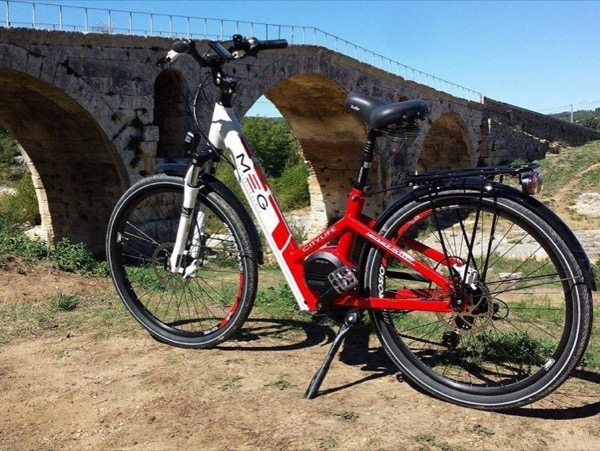 Electric bikes Luberon - private tour