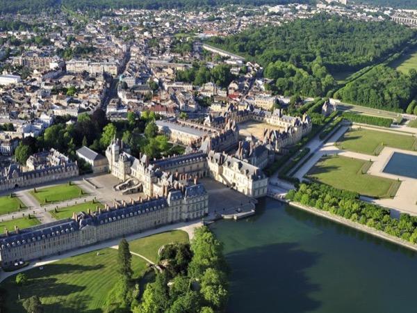 Fontainebleau Castle Line Cut Private Tour - 4 hours