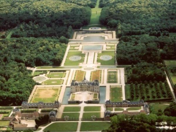 Vaux le Vicomte Line Cut Private Half Day Tour