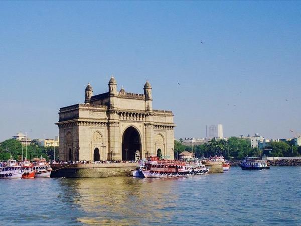 Mumbai City & Dharavi Slum Tour