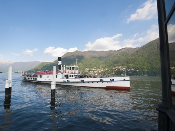 Highlights of Como private tour and cruise (1hr) on Lake Como: Cernobbio, Moltrasio and Torno