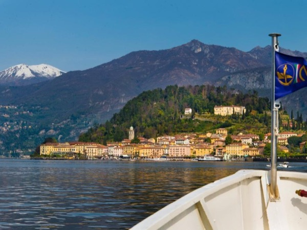 Lake Como cruise and highlights of Como city and Bellagio