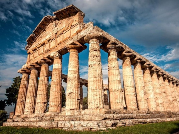 Paestum and Buffalo mozzarella farm from Sorrento
