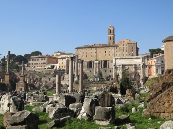 The Unmissables: Colosseum & Roman Forum Half-day guided tour