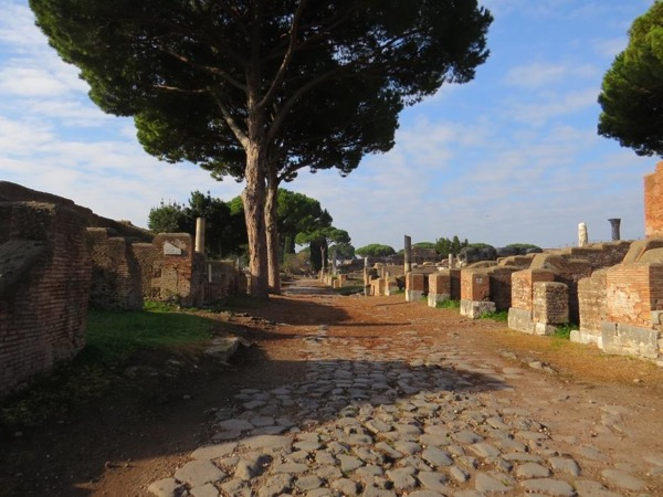 Ostia Antica: walking tour of a typical ancient Roman town