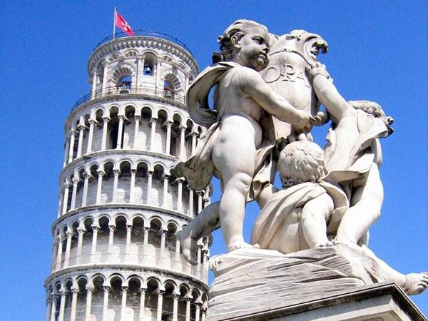 Pisa and Lucca in a Day-Tour from SIENA