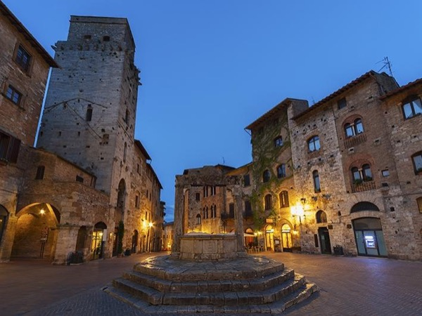 Shore excursion to San Gimignano, Chianti Classico and highlights of Florence from LIVORNO
