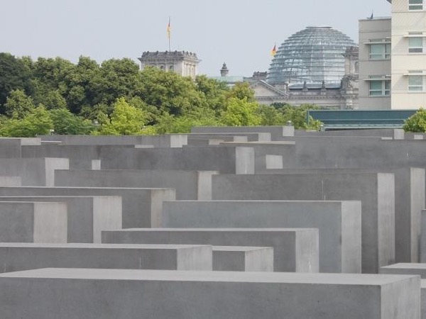 World War II and Cold War Walking Tour of Berlin