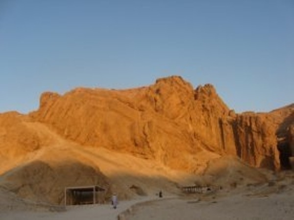 The Valley of Kings, Queens, Hatshepsut & the Collosi of Memnonluxor must visit sites