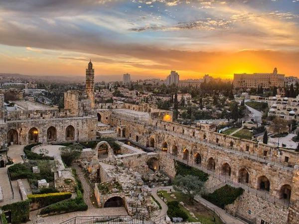 Jerusalem Private Guide: Six Hour walking tour with guide vehicle included