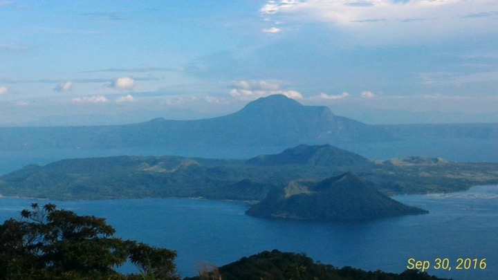 Taal Volcano and Tagaytay Tour