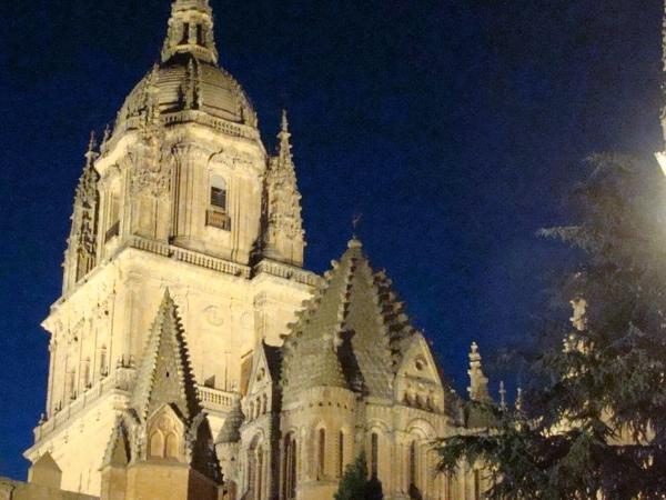 Night tour of Salamanca