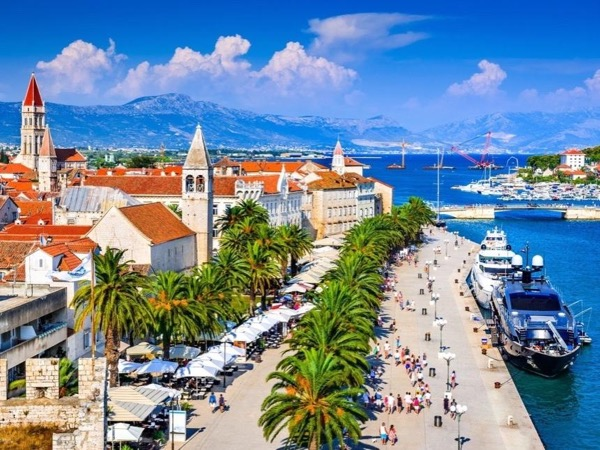Split & Trogir - Two UNESCO towns - private driver-guided tour