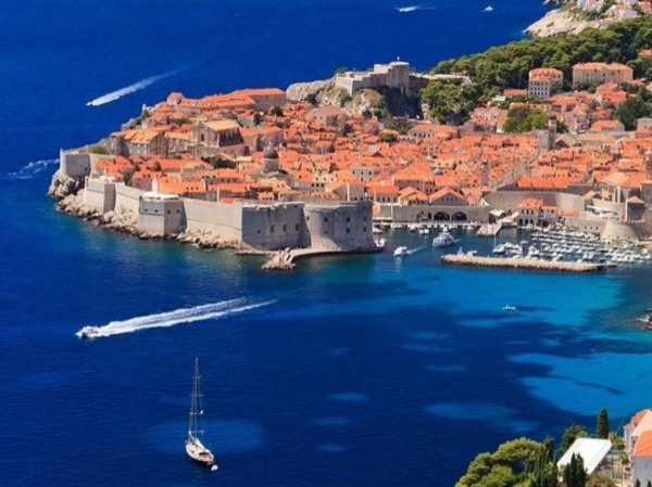 Dubrovnik & its beautiful surroundings - private driver-guided tour (with public speedboat from Split)