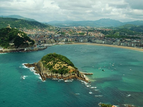 San Sebastian Private Walking tour with Panoramic Views
