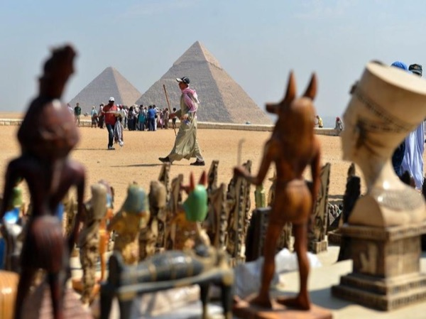 Pyramids, Museum & Bazaar Private Day Tour