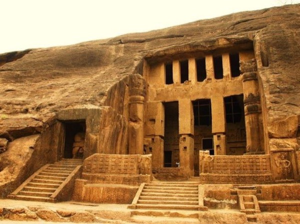 The Kanheri Caves 6 hrs (1 - 4 Person)