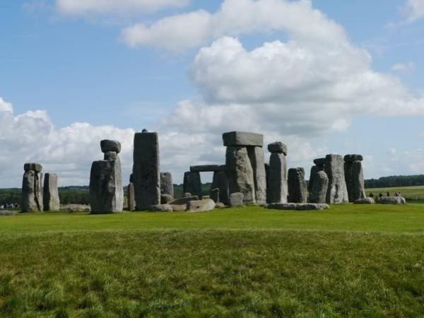 Ancient Wiltshire: Stonehenge and Avebury sacred landscapes
