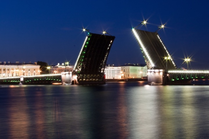 St.Petersburg 3-days flexible tour with a private guide and a driver