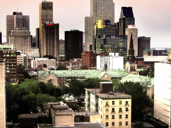 Private tour Montreal with vehicle