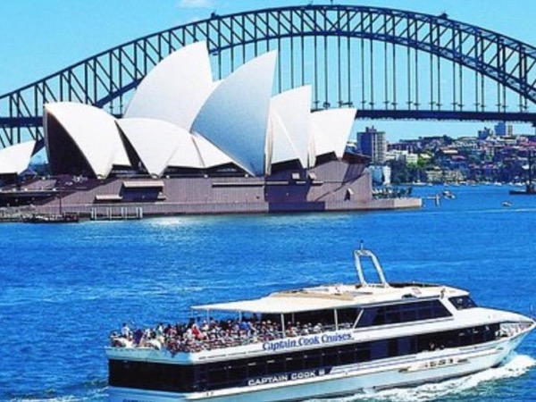 Historic Rocks and Sydney Opera House Walk with Harbour Cruise: 4 Hour Guided Highlights