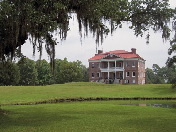 Private Charleston City and Plantation Tour with Transportation