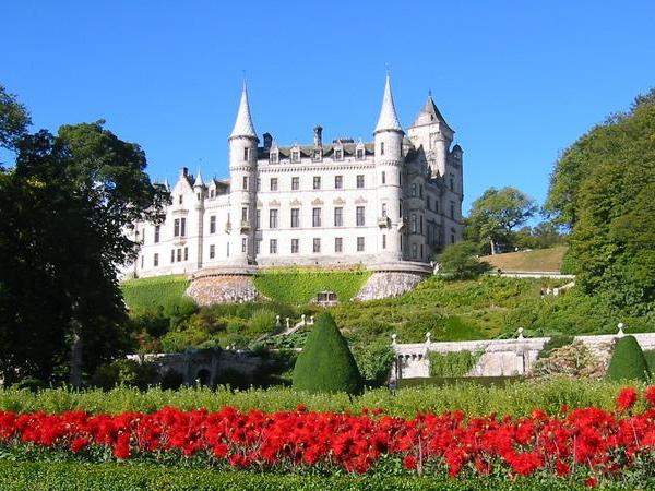 Dunrobin Castle, Dornoch, and GlenMorangie Distillery from Inverness & Invergordon