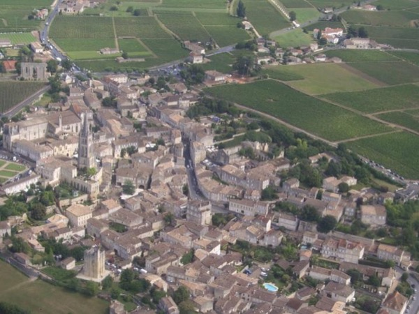 Wine Tour in Saint-Emilion, UNESCO heritage landscape