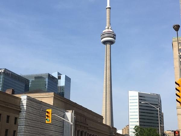 Toronto's neighborhoods 3 hours Walking Tour. Morning departure