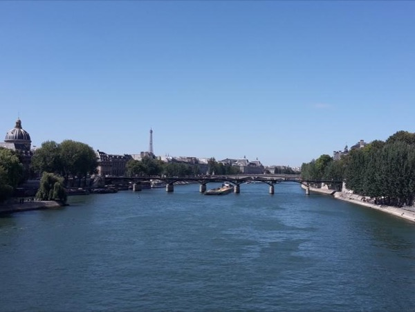 Paris in a day: walking tour from East to West