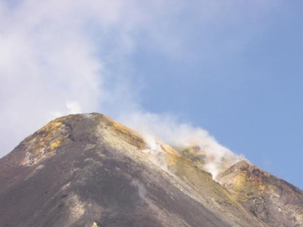 See Etna and a visit a local winery