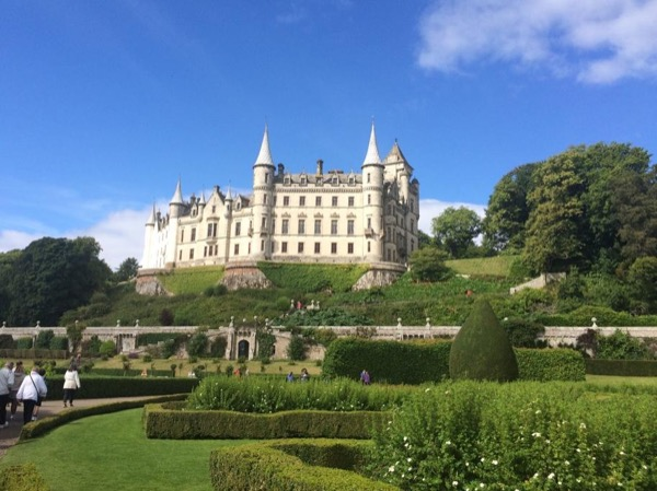 Shore Excursion. The Highlands highlights: Dunrobin castle, whisky, golf (view) and scenery.