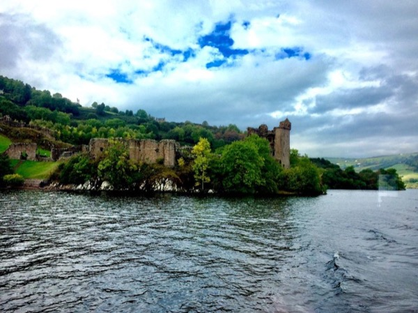 Loch Ness, Castle, whisky and more- Private tour full day.