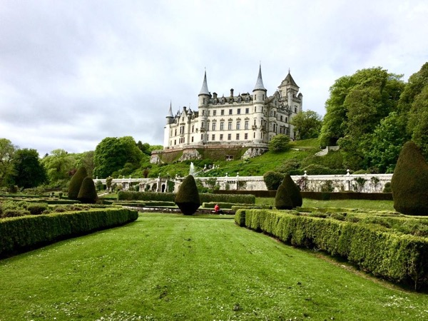 Dunrobin Castle and Dornoch (or whisky). Half Day Private tour