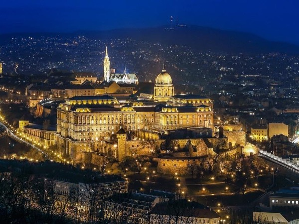 Historic and Cultural Driving Tour of Budapest