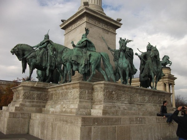 Full-day Historic and Cultural Guided Tour of Budapest