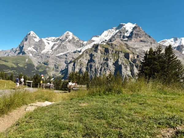 Hiking tour in Bernese Oberland