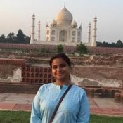 Private tour guide Neha