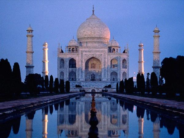 Visiting Taj Mahal at Full Moon Nights