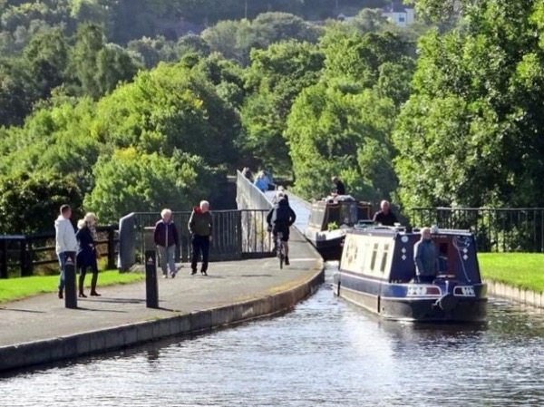 Private Fully Guided Liverpool, Chester & Pontcysyllte in North Wales Day out or Shore Excursion