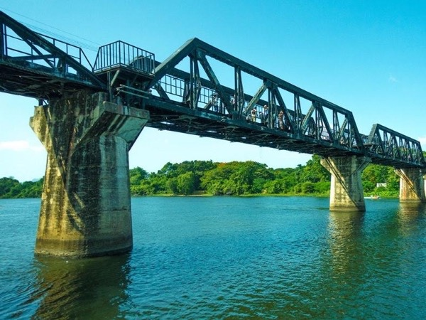 Private Kanchanaburi Tour - The Bridge Over the River Kwai