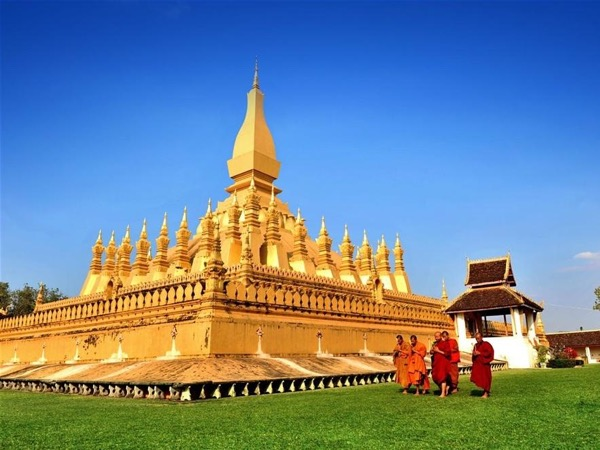 The Best 7 day tour from Luangprabang to plain of jar- Vangvieng and capital of Laos