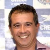 Private tour guide Mércio