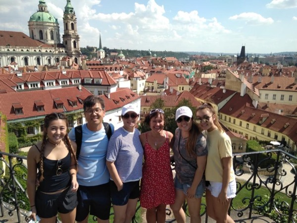 6 hours Welcome to Prague Private Tour by car