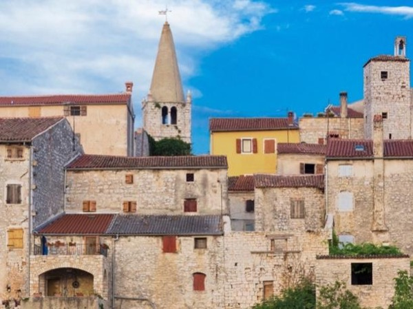 Rovinj walking tour, Bale village & Olive oil experience